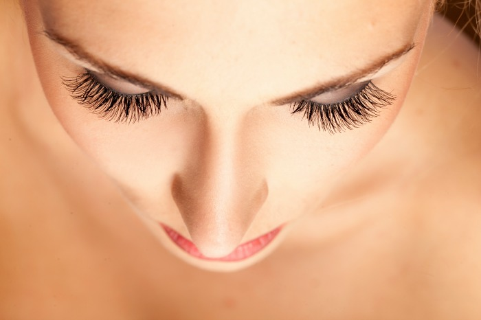 7 Tips to Keep Your Eyes (and Eyelashes!) Looking Young and Healthy2