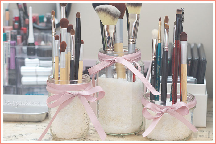 diy-mason-jar-makeup-bursh-holder