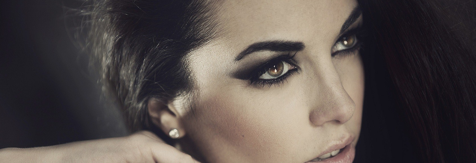How To Get Bombshell Eyebrows