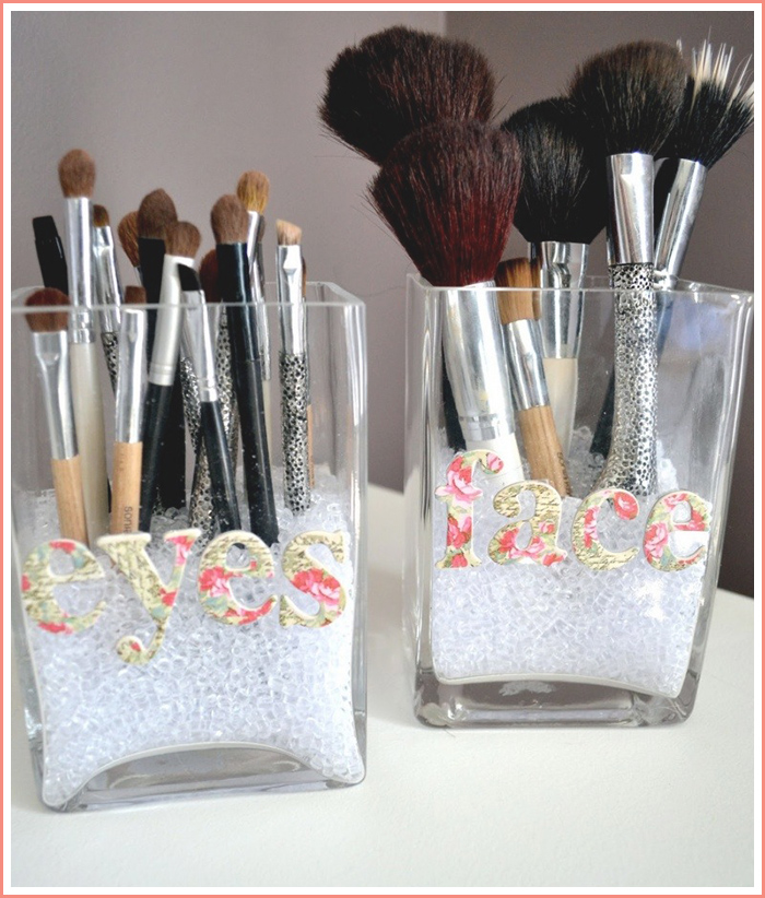 eyes-and-face-makeup-brush-organization