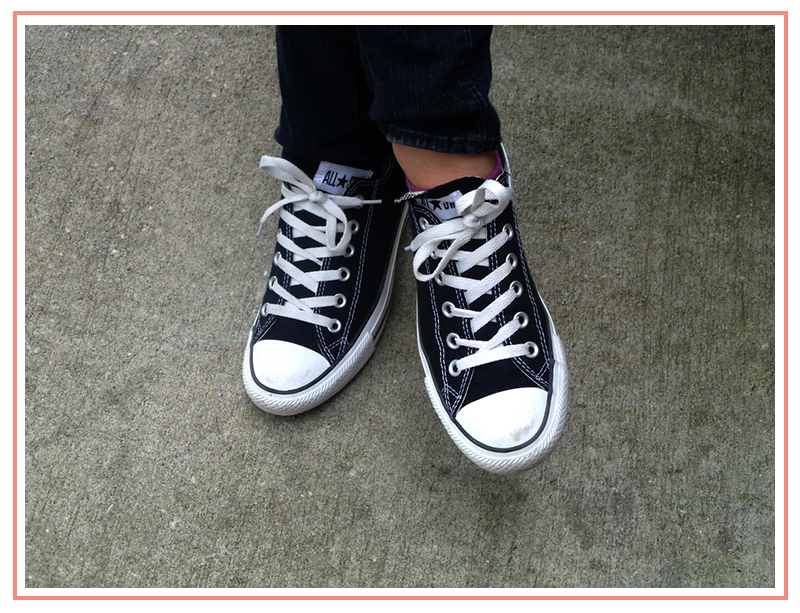 women-college-fashion-chucks