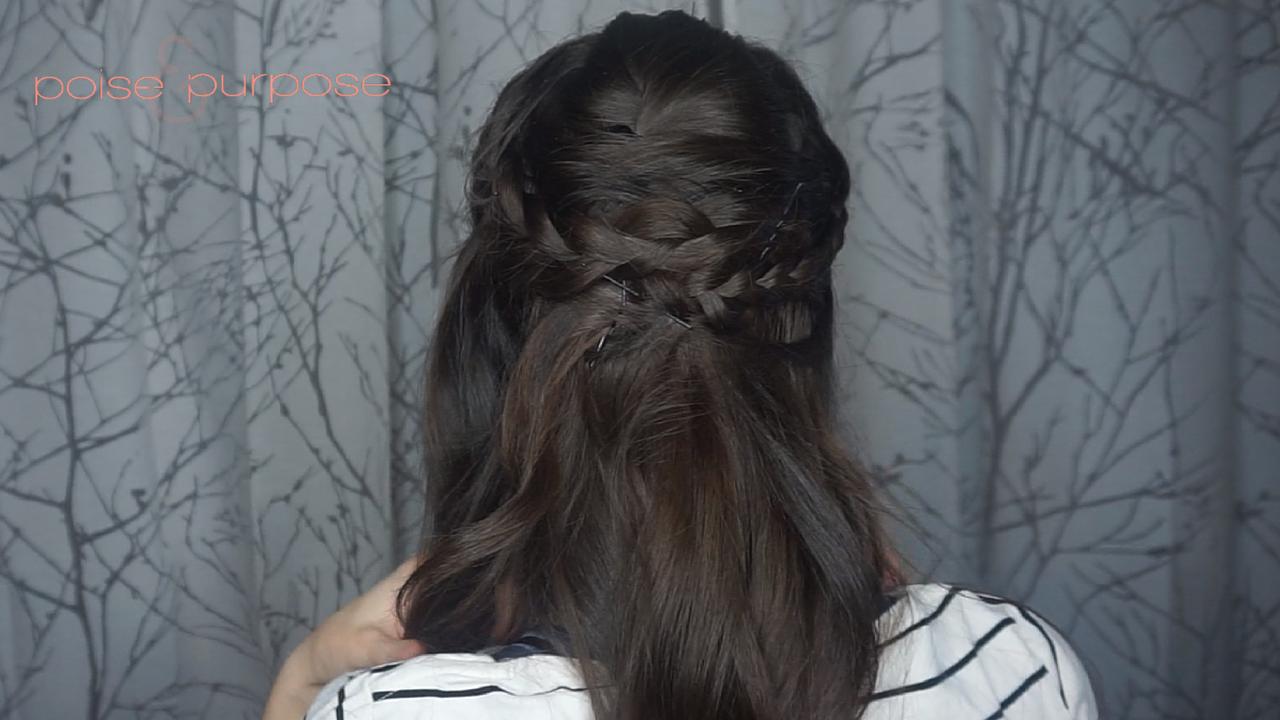 braided half updo