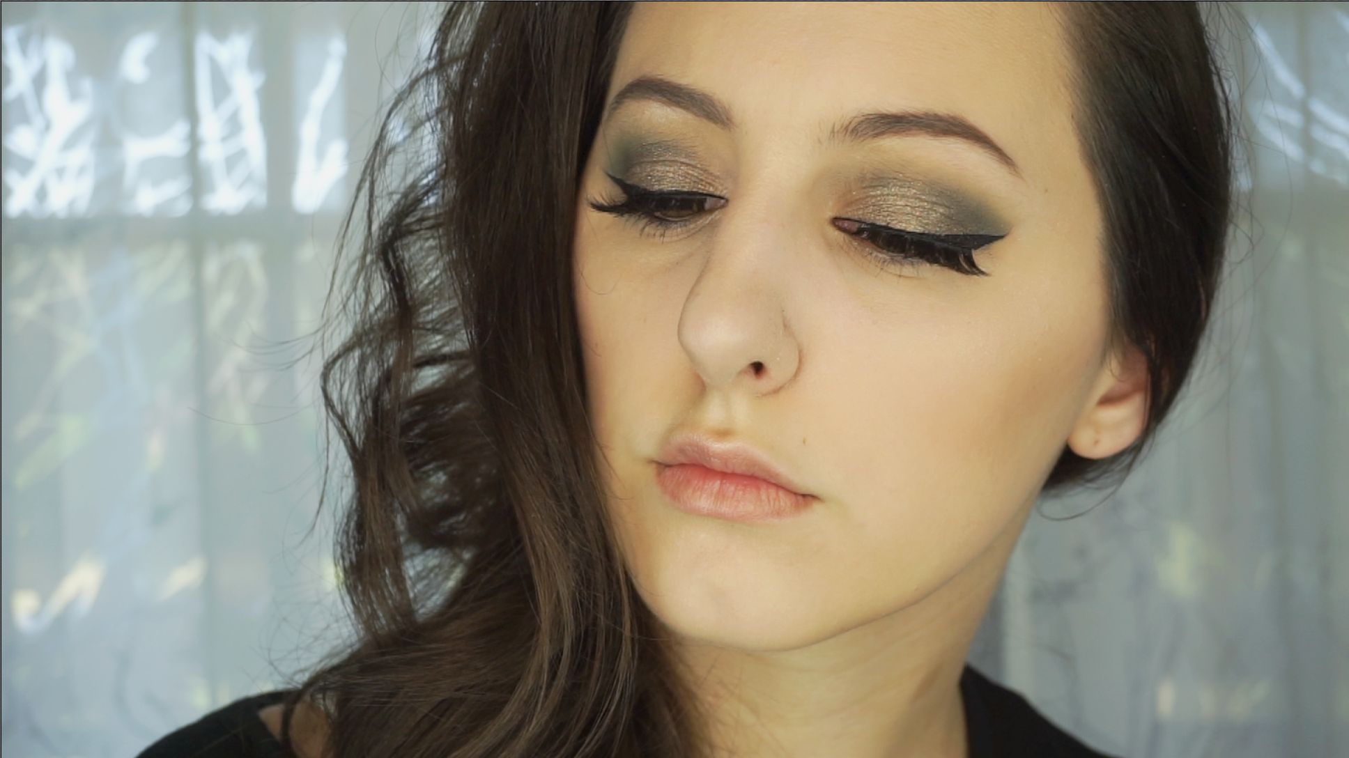 Antique Gold And Deep Sea Blue Makeup Tutorial